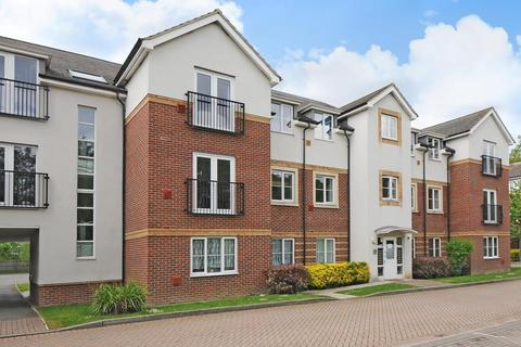 2 bedroom flat for sale - Kingswood Close,  Camberley,  Surrey.,  GU15