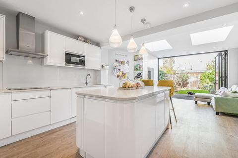 5 bedroom end of terrace house for sale - Franche Court Road, Earlsfield