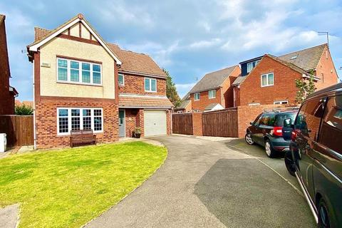 4 bedroom detached house for sale - Exmouth Close, Redcar TS10