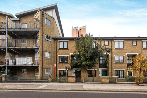 4 bedroom terraced house to rent - Old Ford Road, Bow, London, E3