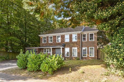 5 bedroom detached house for sale - Kings Road, Alton