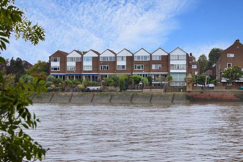 4 bedroom townhouse for sale - Chiswick Staithe, Chiswick, W4