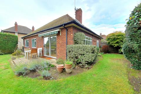 3 bedroom bungalow to rent - Cavendish Road, Barnet, EN5