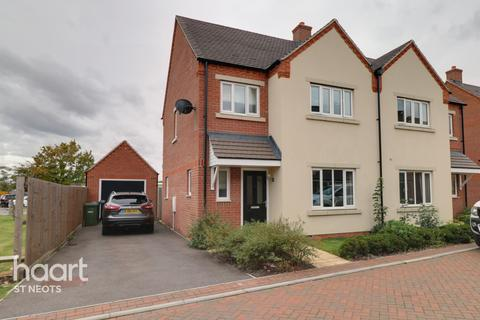 3 bedroom semi-detached house for sale - Whinfell Close, Eaton Socon