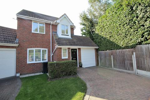 3 bedroom link detached house for sale - Robjohns Road, Chelmsford, Essex, CM1