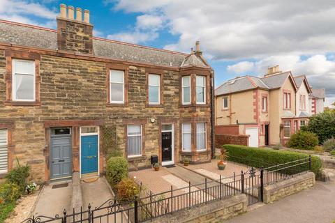 3 bedroom flat for sale - 13 Wakefield Avenue, Edinburgh, EH7 6TN