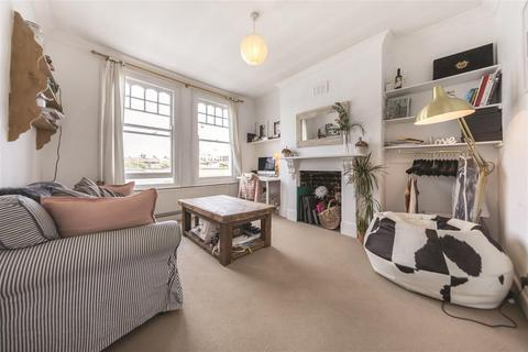 2 bedroom flat to rent - Queenstown Road, SW8