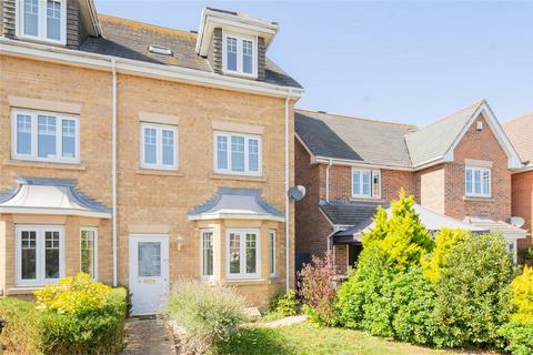 3 bedroom semi-detached house to rent - Estancia Close, Lee-on-the-Solent, Hampshire