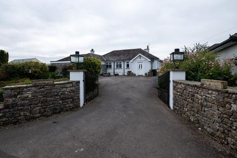 3 bedroom detached bungalow for sale - Woodhouse Lane, Heversham, Milnthorpe, LA7 7EW