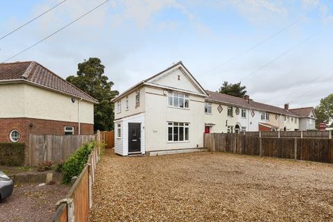 3 bedroom end of terrace house for sale - Barrett Road, Norwich