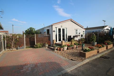 2 bedroom mobile home for sale - Hockley Park, Lower Road, Hockley
