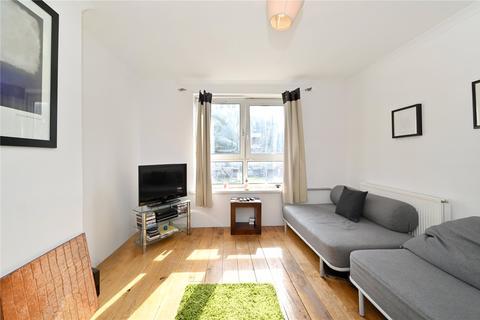 3 bedroom flat for sale - Bardsley House, Bardsley Lane, London