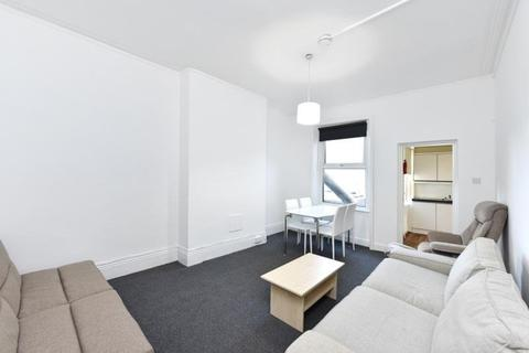 2 bedroom flat to rent - Park Road, Crouch End, London