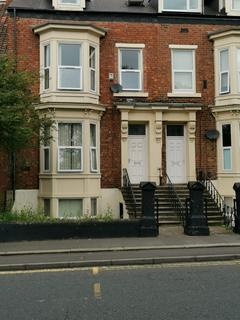 1 bedroom flat to rent - flat 3, 5 South Hill Crescent