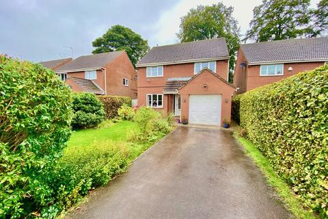 4 bedroom detached house for sale - The Groves, Driffield