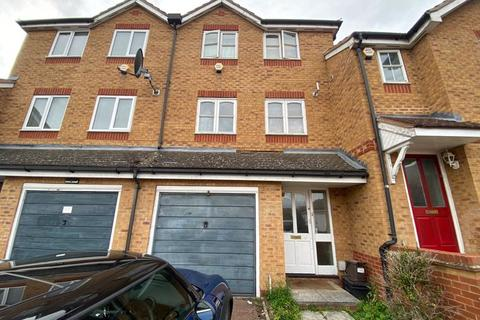 4 bedroom terraced house for sale - Lampeter Close, Kingsbury