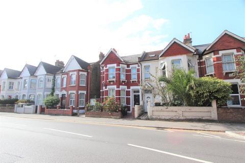 Studio to rent - Wightman Road, Hornsey, N8