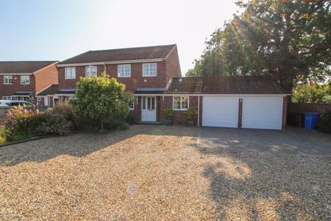 3 bedroom semi-detached house for sale - St. Edmunds Close, Hellesdon, Norwich