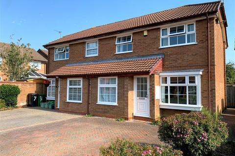 3 bedroom semi-detached house for sale - Fernhurst Road, Calcot, Reading, Berkshire, RG31