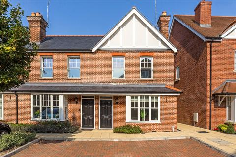 3 bedroom end of terrace house for sale - Portland Crescent, Marlow, Buckinghamshire, SL7