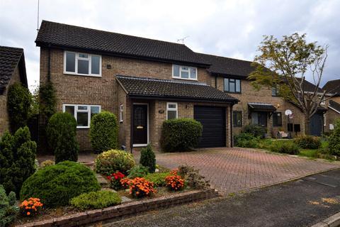 4 bedroom detached house to rent - Treelands Close, CHELTENHAM, Gloucestershire, GL53
