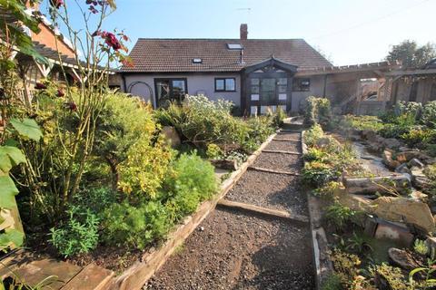 3 bedroom detached bungalow for sale - Station Road, Brent Knoll