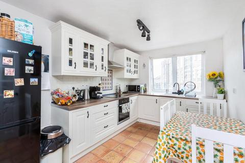 3 bedroom flat for sale - Rounton Road, London E3