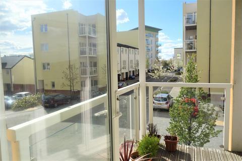 2 bedroom flat - Wain Close, Penarth,