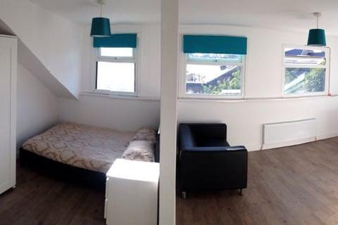 8 bedroom house share to rent - Milnrow Road, Shaw, Oldham