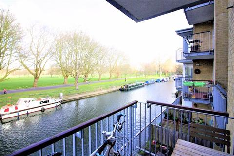 2 bedroom apartment to rent - Printers Mews, Old Ford Road E3