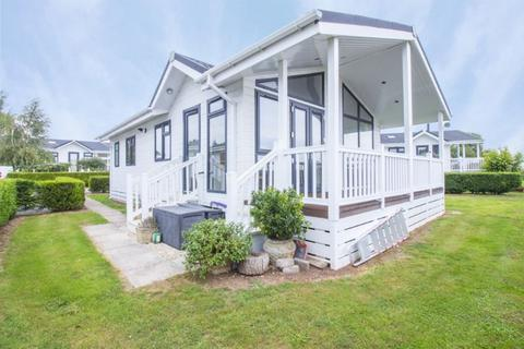 2 bedroom park home for sale - st pierre Country Park, Portskewett - REF#00011302
