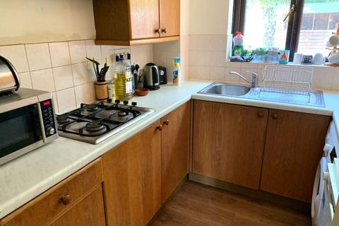 3 bedroom terraced house to rent - Clarence Court, Horley
