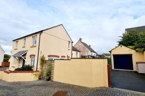 3 bedroom semi-detached house for sale - Snowdrop Crescent, Launceston