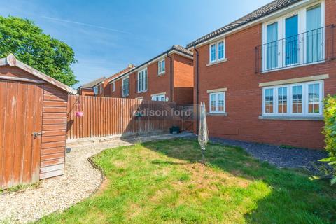 2 bedroom ground floor flat to rent - Chapel Orchard, Yate, Bristol, BS37