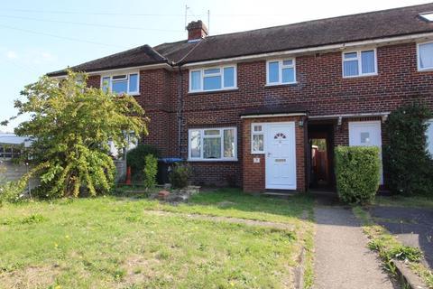 3 bedroom terraced house to rent - Kings Lane, Englefield Green
