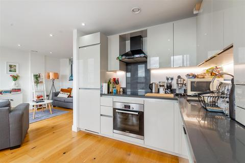 1 bedroom flat for sale - Tyssen Street, London