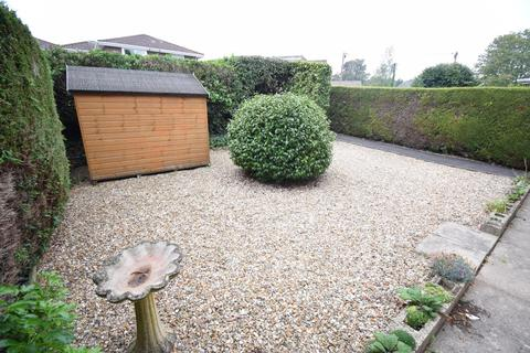 2 bedroom flat for sale - Grange Road, Broadstone