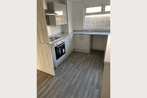 3 bedroom semi-detached house to rent - Hathersage Gardens, South Shields
