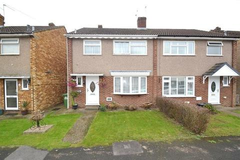 3 bedroom semi-detached house for sale - Caxton Road, Hoddesdon