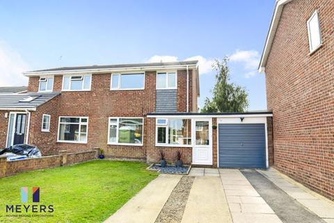 3 bedroom semi-detached house for sale - Lynn Road, Canford Heath, Poole, BH17