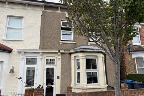 4 bedroom semi-detached house - South Norwood Hill, London