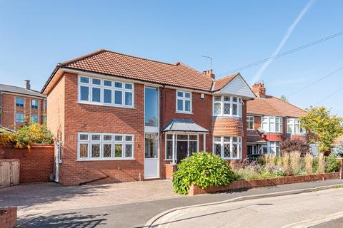 4 bedroom detached house for sale - Villa Grove, York, YO31 7TB