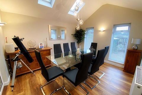3 bedroom semi-detached house for sale - Rosedale, Hadrian Lodge West, Wallsend, NE28