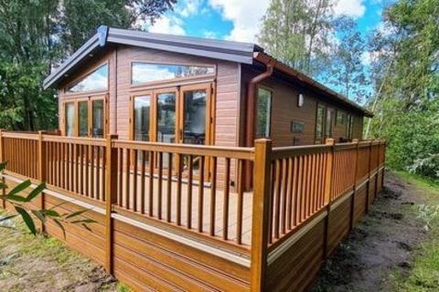 2 bedroom lodge for sale - Borwick Lane, Dock Acres, Carnforth, LA6