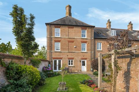 4 bedroom end of terrace house for sale - Dunnabridge Street, Poundbury, Dorchester