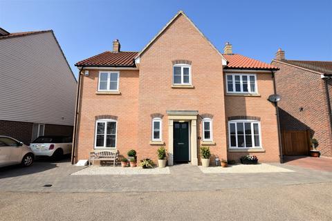 4 bedroom detached house for sale - Northey View, Heybridge, Maldon, CM9