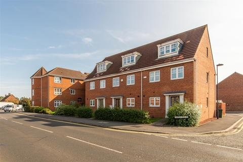 3 bedroom terraced house for sale - Oxford Close, Longbenton, Newcastle Upon Tyne