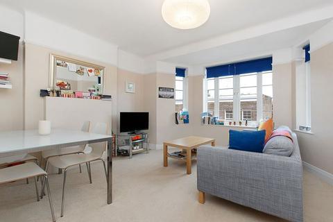 1 bedroom flat to rent - Worple Court, SW19