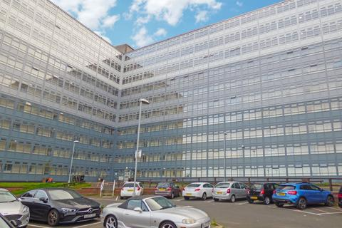 3 bedroom flat for sale - Regent Court, Bensham, Gateshead, Tyne & Wear, NE8 1HA