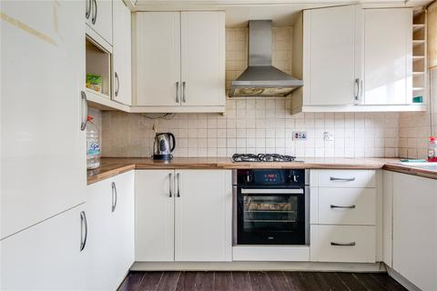 4 bedroom house to rent - Southerngate Way, London, SE14